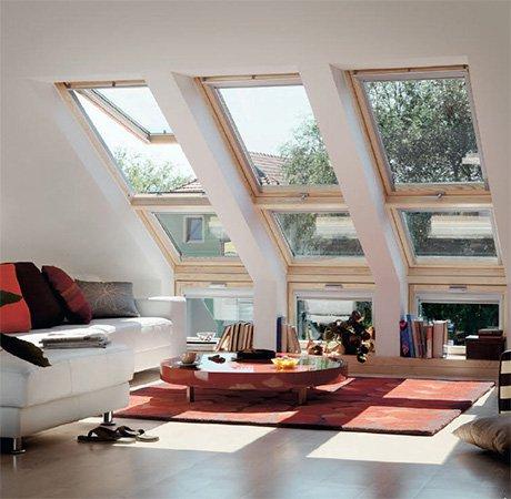 Окно до потолка под наклоном