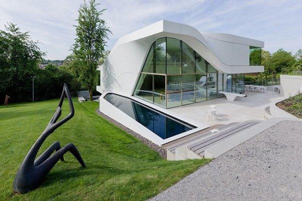 Красивый дом в стиле хай-тек